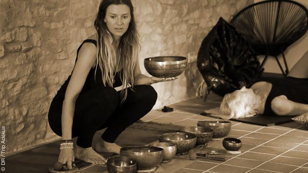 yoga et bains sonores en Inde
