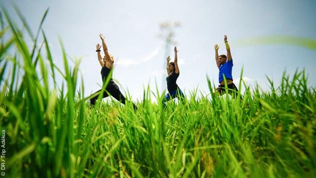 Pratiquez le yoga sur l'île de Bali en Indonésie