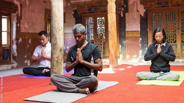 Venez pratiquer le yoga avec nos enseignants diplômés