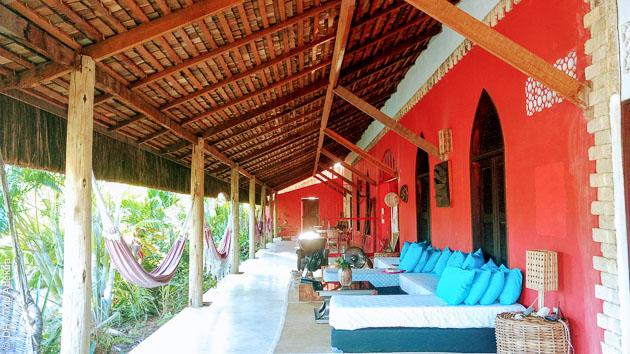Votre hébergement à deux pas de la plage avec piscine et jardin tropical