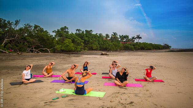 Des séances de yoga en studio ou sur la plage au Costa Rica