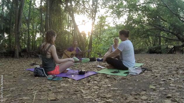 Méditation en pleine nature pendant votre séjour yoga à Goa