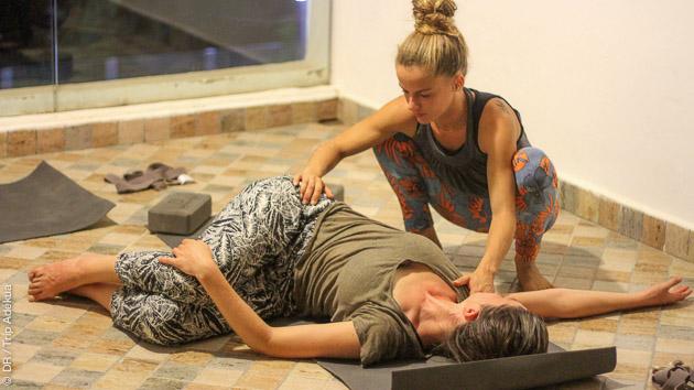 votre prof de yoga diplomé au Maroc