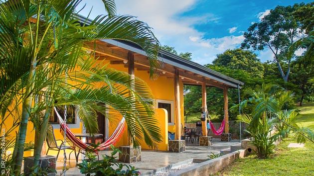 Votre hébergement en bungalow au cœur d'un jardin tropical